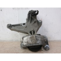 2014 Renault Scenic MK3 1.5 dCi Right Side Engine Mount Support