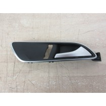 2020 Mercedes GLA X156 1.6 Drivers OSF Right Front Interior Door Handle